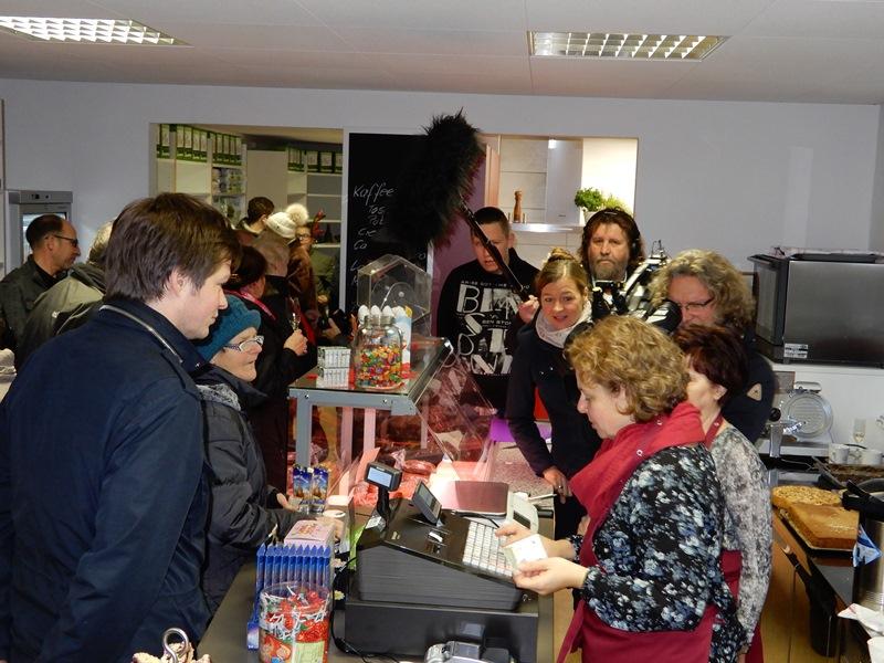 Viel Trubel bei der Eröffnung des neuen Dorfladens in Bernitt