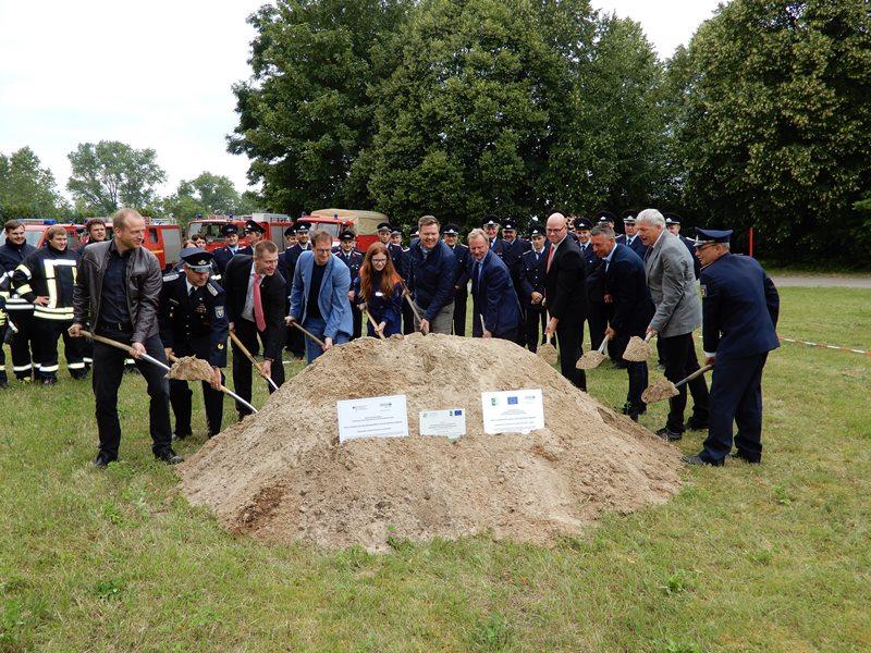 Spatenstich und Baubeginn für das neue Feuerwehrgerätehaus in Wasdow