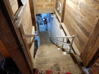 Dank des Treppenlifts ist der Ausstellungsbereich im Obergeschoss barrierefrei erreichbar.
