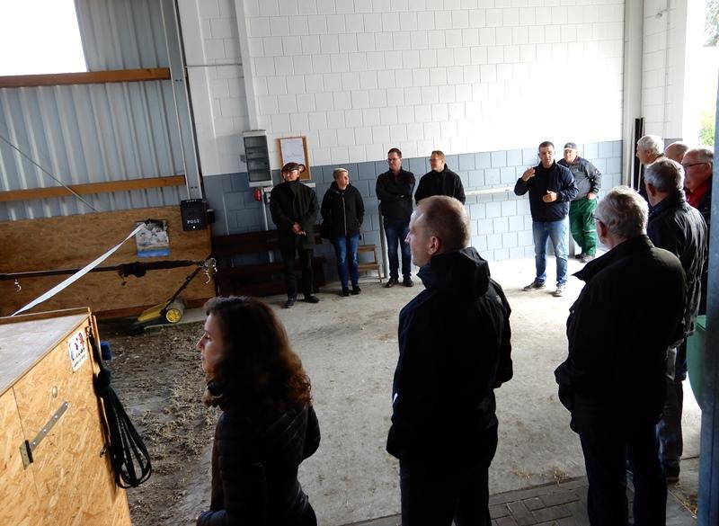 Besichtigung der neuen Reithalle in Klein Nieköhr